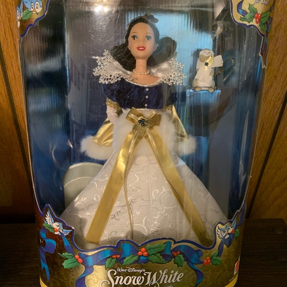 Disney/'s Snow White Holiday Princess Doll Disney Holiday Collection NO BOX